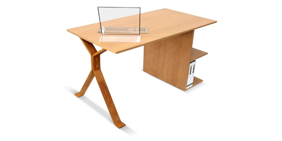 طاولة الكومبيوتر